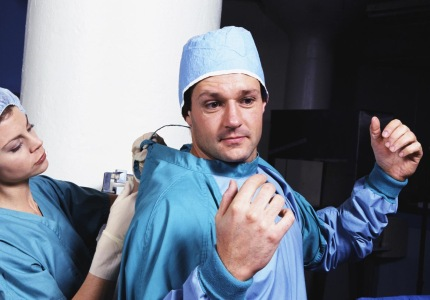 Прибегают ли к услугам пластической хирургии сами врачи?