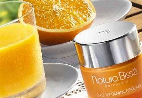 Витамин C: преимущества в уходе за кожей