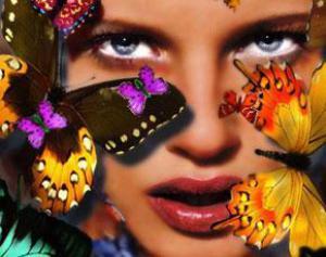 50% женщин имеют психологическую зависимость от косметики