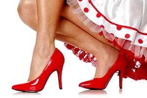Ради высоких каблуков женщины ложатся под скальпель