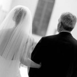 «Уколы молодости» для отцов невест