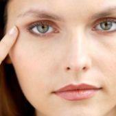 Тёмные круги под глазами – самая распространённая проблема среди женщин