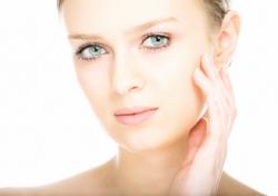 Как убрать шрамы и рубцы на лице после акне (прыщей)