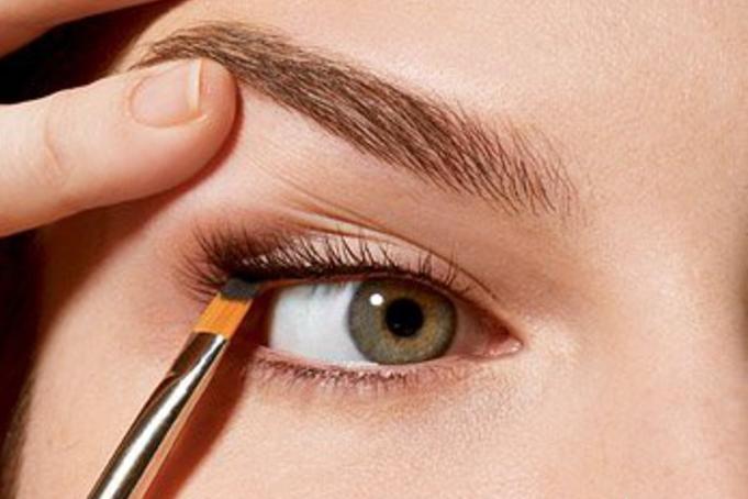 Как сделать заплаканные глаза быстро