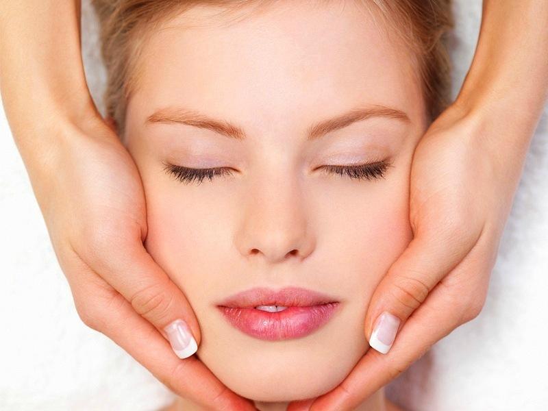 Может ли косметолог заменить дерматолога