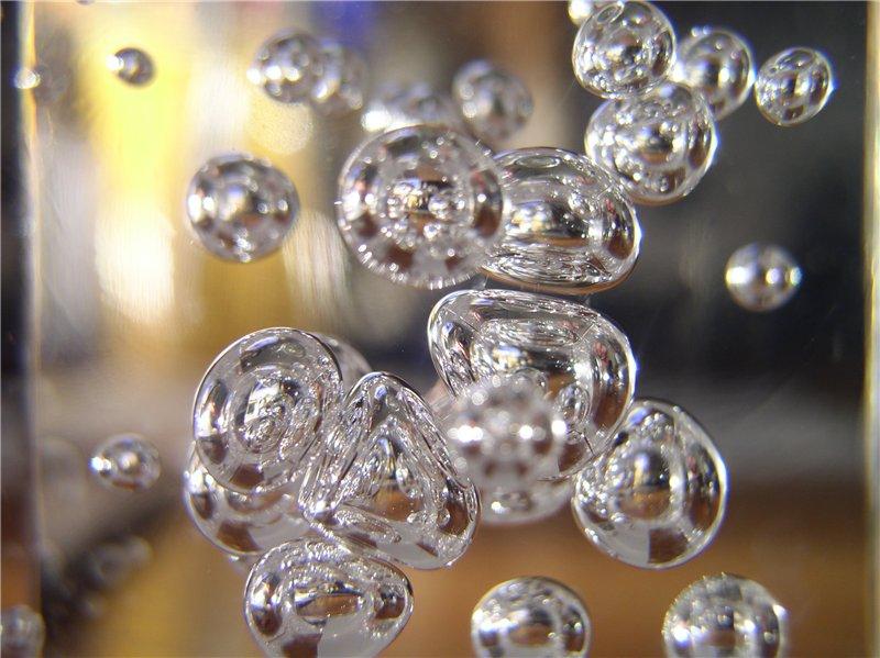 Увеличение губ гиалуроновой кислотой: природа приходит на помощь