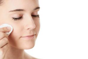 Раскрыта шокирующая правда о сне с макияжем