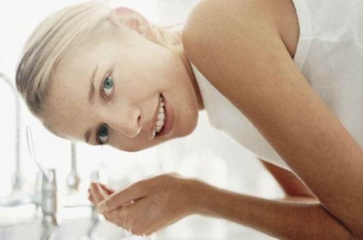 Правильное очищение лица или все о косметическом молочке