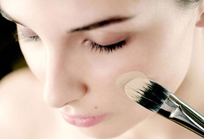 Тональный крем и основа под макияж