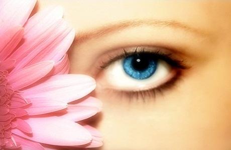 В чем особенность цветных контактных линз