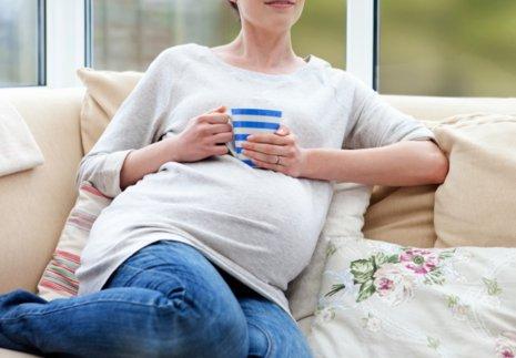 Необходимо ли полностью отказаться от кофе и алкоголя во время протекания беременности