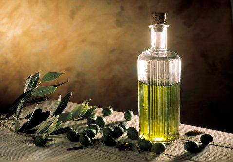 Оливковое масло для красоты подходит лучше всего, уверены косметологи