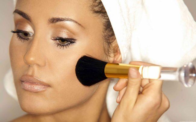 Румянная косметика: нежный штрих любого макияжа