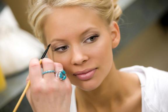 Тонкости свадебного макияжа