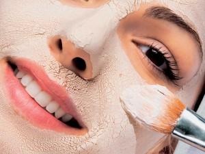 Лучшая домашняя маска для лица и шеи