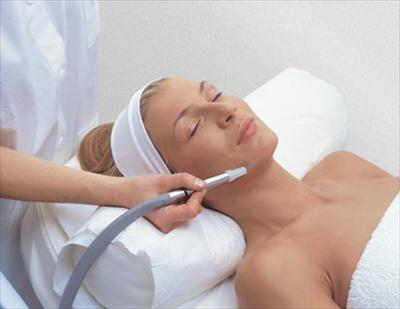 Как микродермабразия действует на кожу