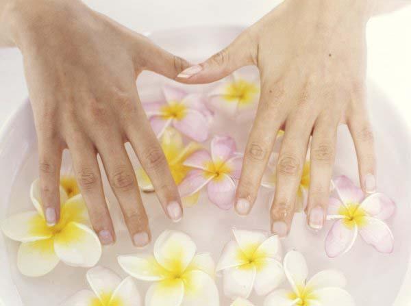 Предотвращение и лечение сухости и ломкости ногтей