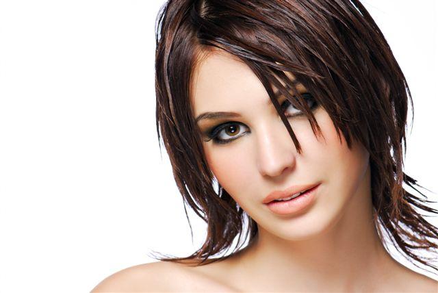 Уход за жирными волосами: что советуют специалисты