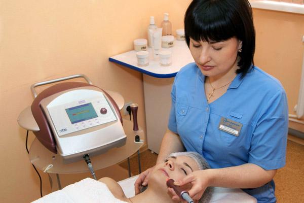 Какая одна из самых популярных косметологических процедур