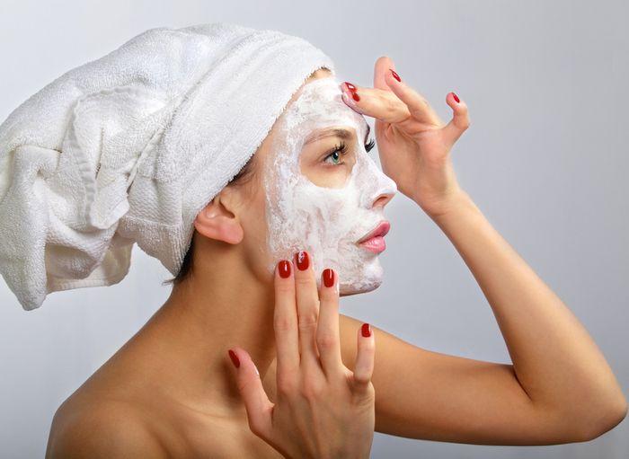 Увлажняющая и очищающая маска для лица в домашних условиях