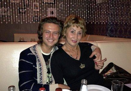 Супруга Прохора Шаляпина вышла в свет после пластической операции