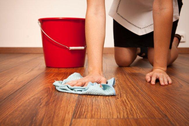 Как и чем почистить ламинат?