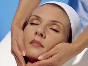 Какие косметологические процедуры позволяют сохранить молодость