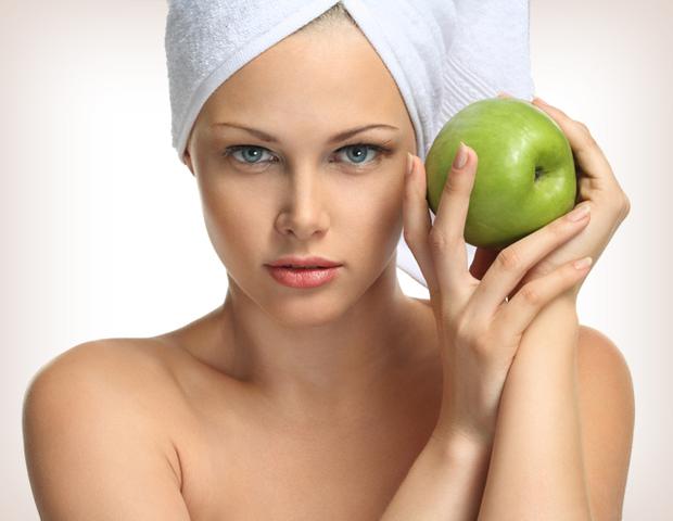 Что будем готовить из яблок: маску для лица