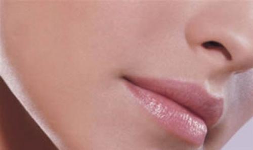 Правильный уход за губами: возьмите на заметку