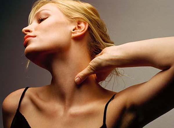 Как убрать морщины на шее: секреты омоложения