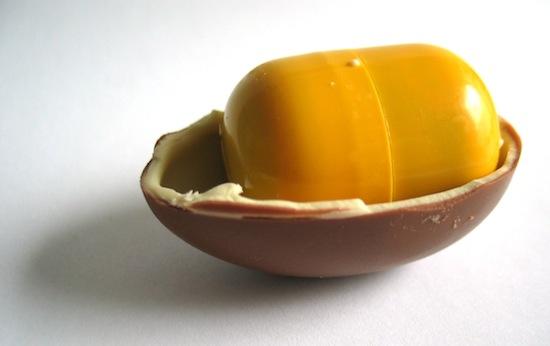 Шоколад и шоколадные яйца: вредят ли они ребенку?