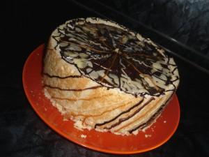 Миндальный торт со сливочным кремом и личи