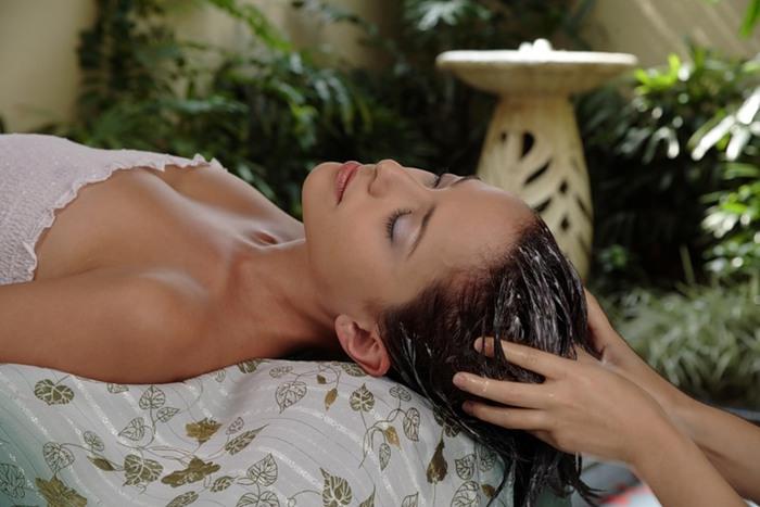 Уход за волосами: как защитить от солнца