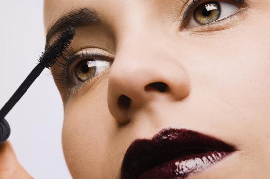 Нанесение и снятие водостойкого макияжа: советы