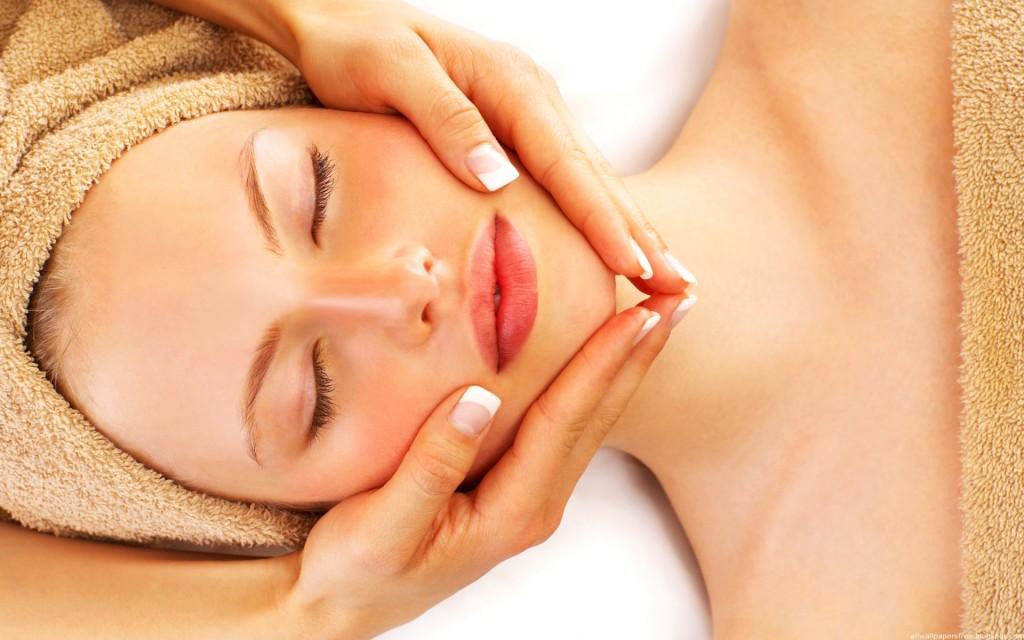 Несколько правил ухода за кожей шеи