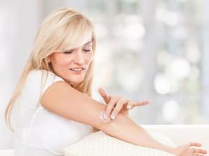 Сухая кожа на локтях: 7 полезных советов