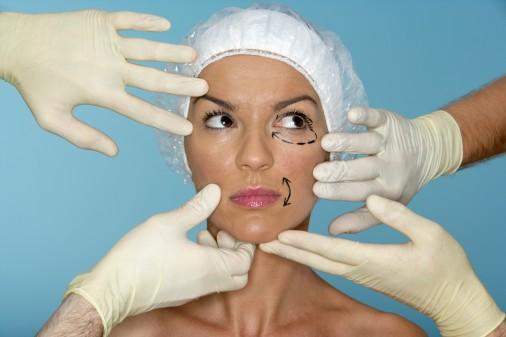 Треть пластических операций – это грудь и нос
