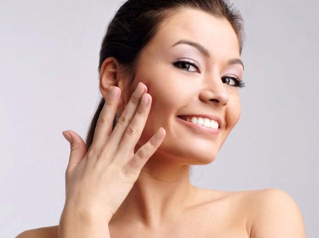 Очищающие и питательные маски для лица: советы косметологов