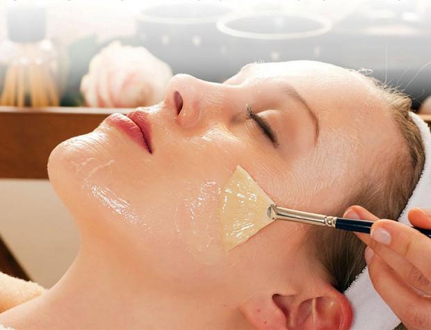 Гликолевый пилинг для очищения кожи