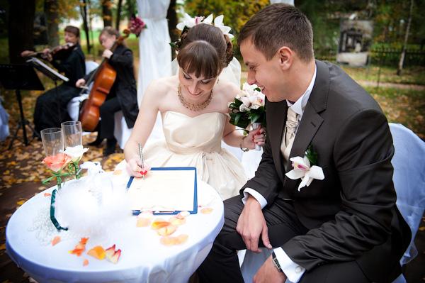 Достоинства профессионального свадебного фотографа