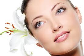 Интернет-магазин косметики Lombre.com.ua: с профессиональным макияжем женщина всегда неотразима.