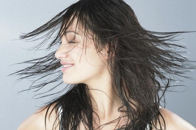Маски для волос против выпадения: как решить проблему