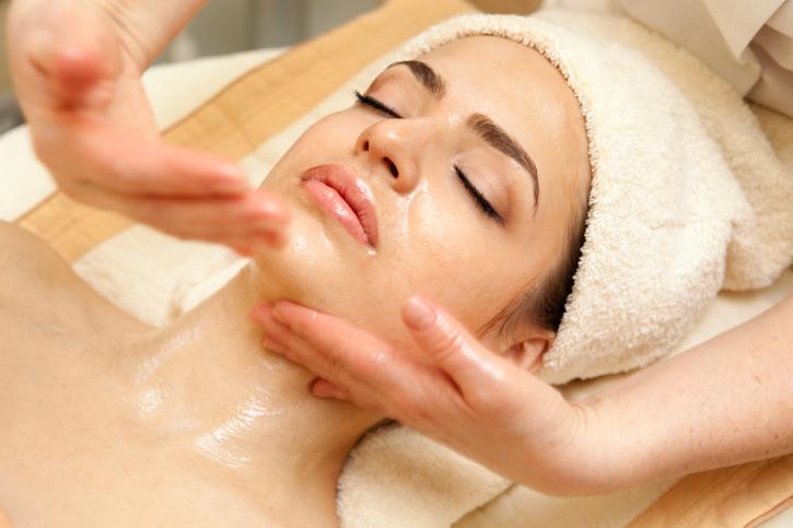 Лифтинг массаж для лица в домашних условиях