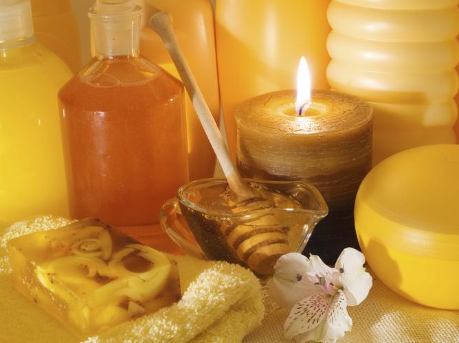 Пилинг на основе меда тонизирует кожу