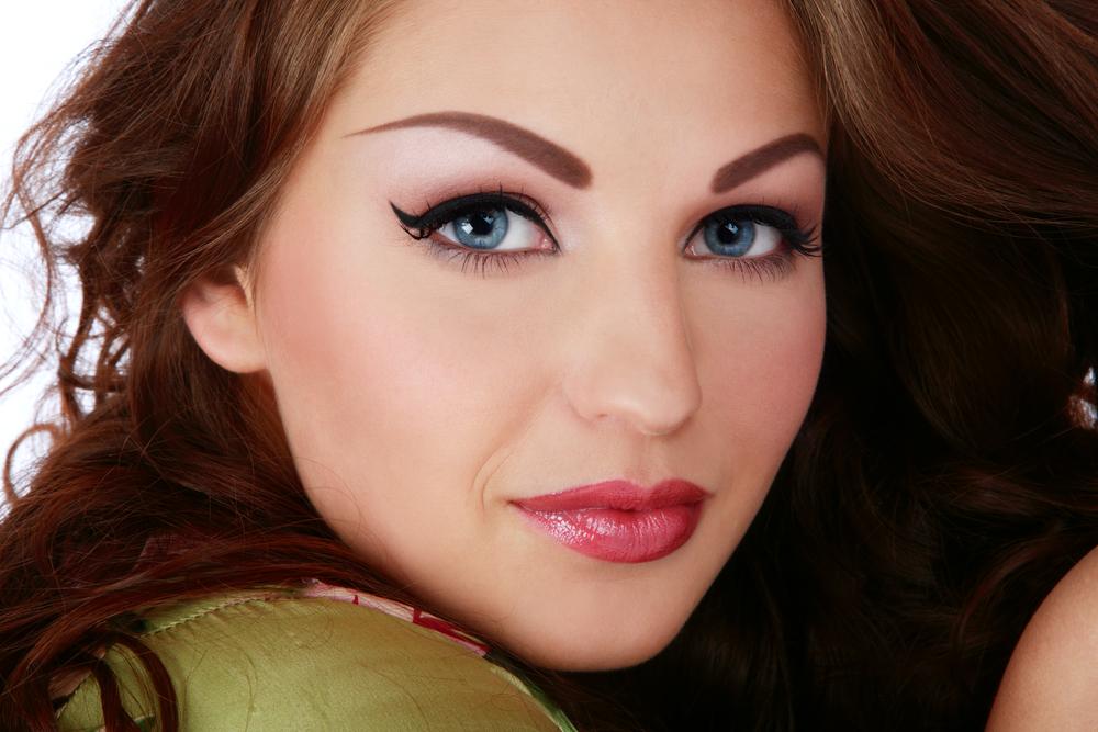 В чем преимущества перманентного макияжа