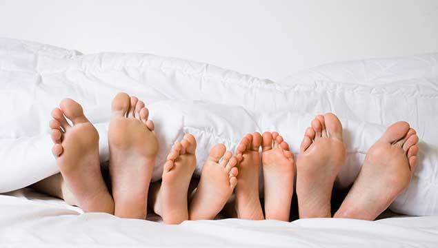 Как лечить трещины на пятках в домашних условиях
