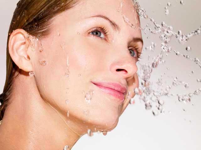 Маски с минеральной водой: увлажни свою кожу