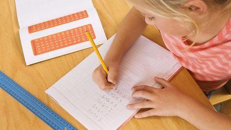 Выбираем письменный стол ребенку