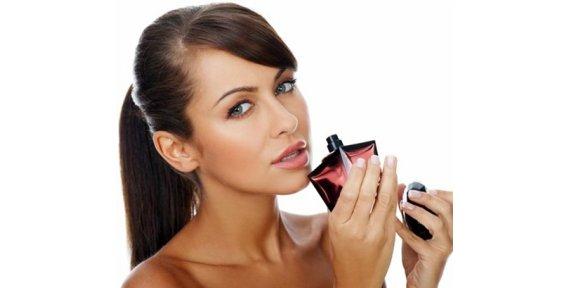 Женская парфюмерия: виды и советы по выбору