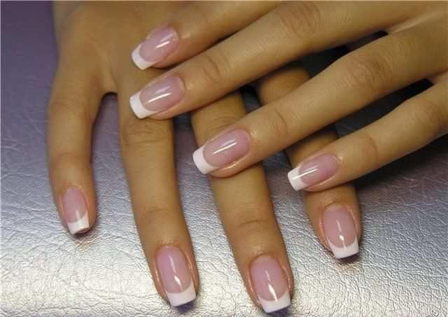 Акриловое и гелевое наращивание ногтей: что выбрать